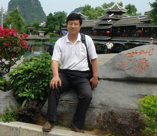 杨俏童--中国书法家协会会员
