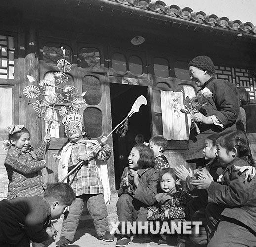 珍贵老照片:找寻逝去的春节记忆