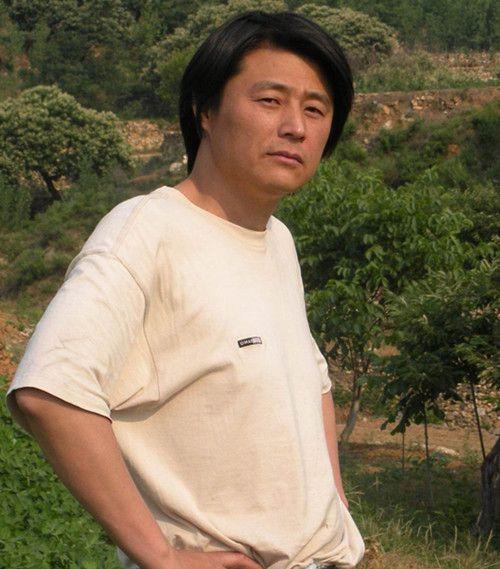 李原--山东省美术家协会会员,泰山区美术家协会副主席