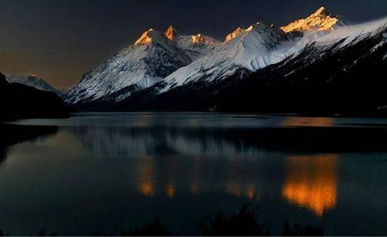 美若仙境 人迹罕至的西藏十大圣湖