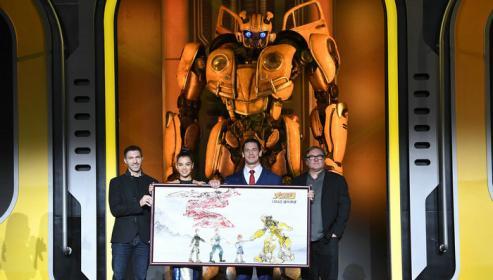 《变形金刚》系列启用新导演 《大黄蜂》中国首映
