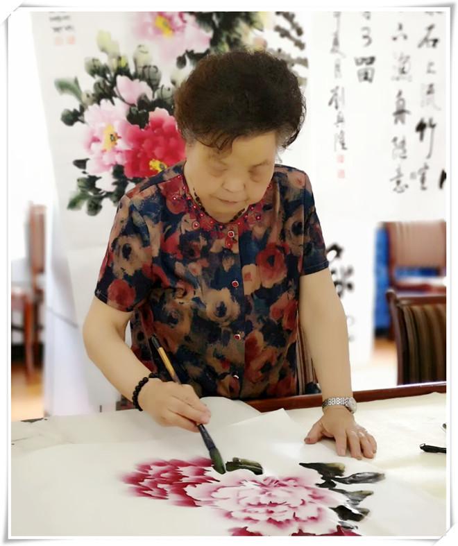 杨兰芳--纪录网中国书画研究院常务副院长