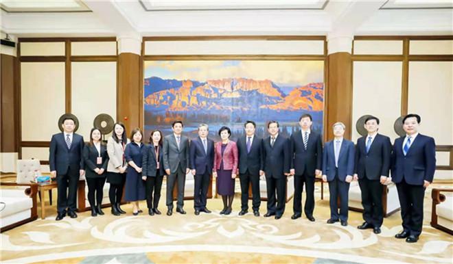 何伟会见出席2021东亚文化之都·中国敦煌活动年开幕式外宾和国际组织代表