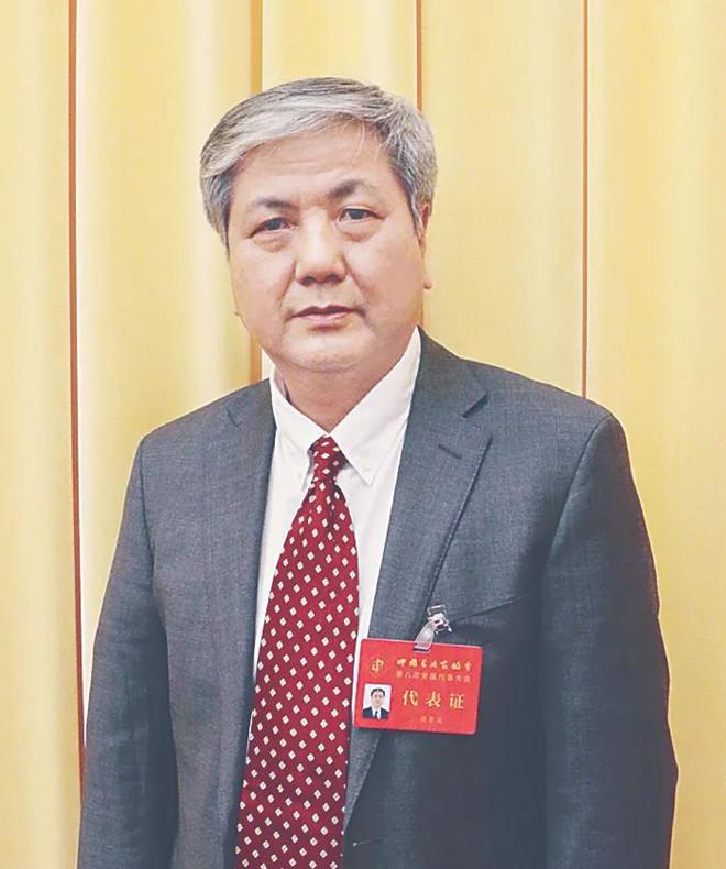 中国书协副主席顾亚龙 应该高度重视书法学科建设