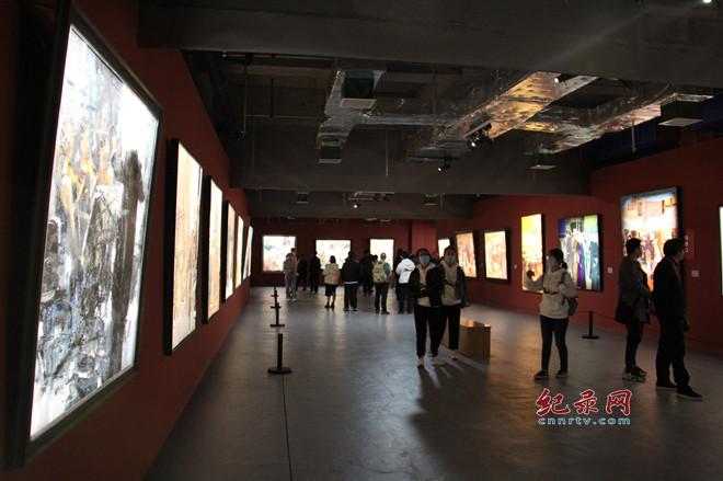 """""""大路西行"""" 第二届中国油画作品展启幕"""